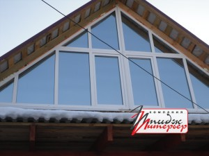 Остекление мансарды крыши окнами ПВХ