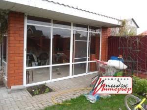 Остекление беседки алюминиевыми раздвижными окнами