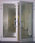 Двери алюминиевые межкомнатные в офисе