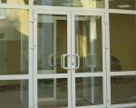 Двери входные стеклянные в здание