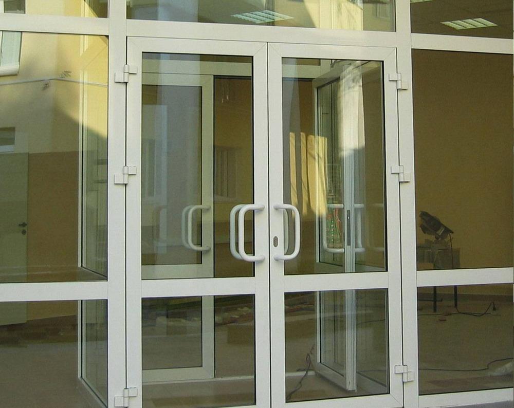 изготовление пвх входных дверей