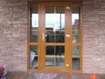 Дверь входная из ПВХ в дом, ламинированная.