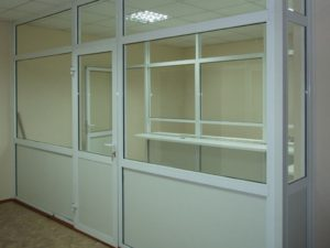 Торговый павильон из ПВХ с раздвижными окнами