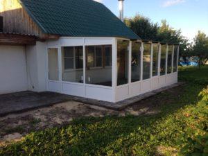 Пристройка веранды к дому металлопрофильная конструкция со стеклопакетами