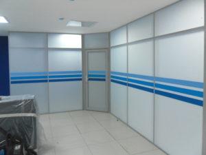 Офисная перегородка с нанесением цвета