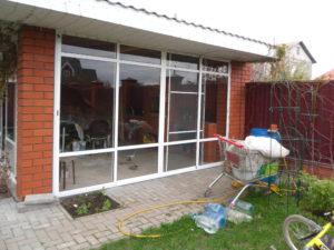 Остекление раздвижными окнами