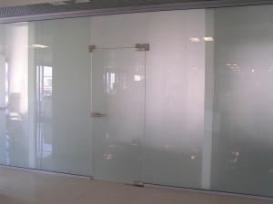 Стеклянная перегородка с матовым стеклом