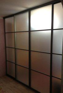 Перегородка межкомнатная для зонирования пространства в комнате