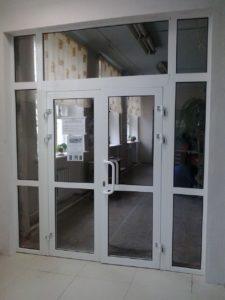 входная алюминиевая дверь фото